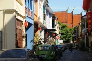 Scoprite le stradine laterali della vecchia Phuket Town durante l'escursione giornaliera a Phuket