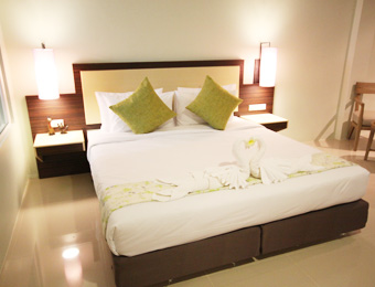 Deluxe Room at Am Surin Place