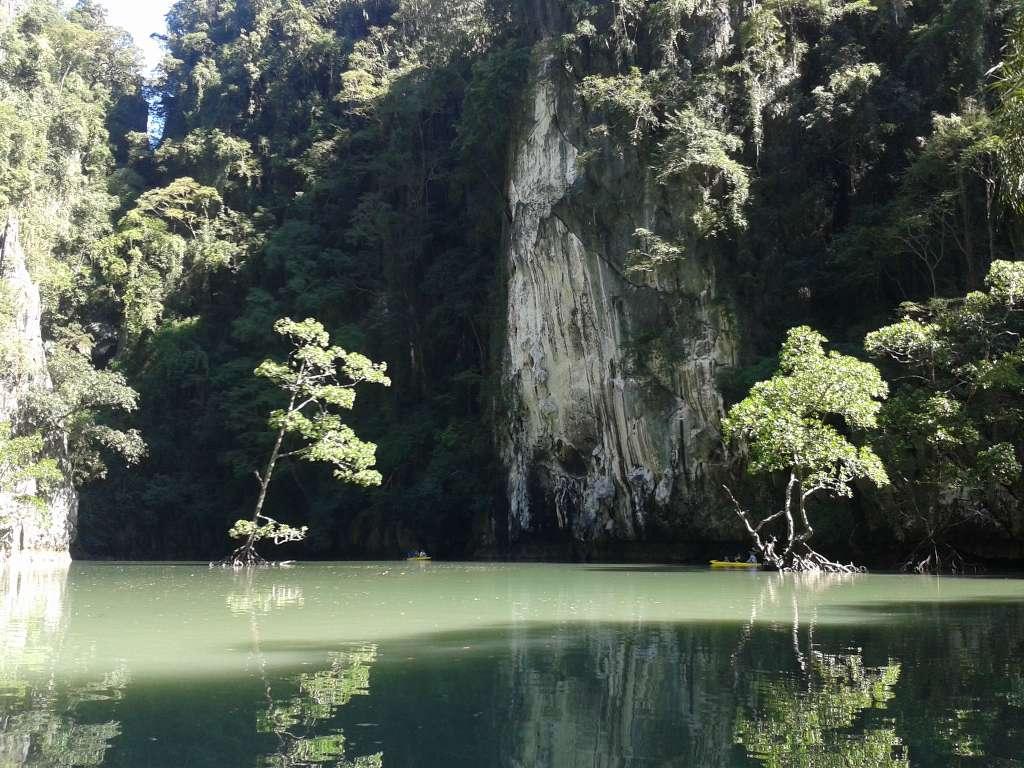 Hong by starlight kayaking