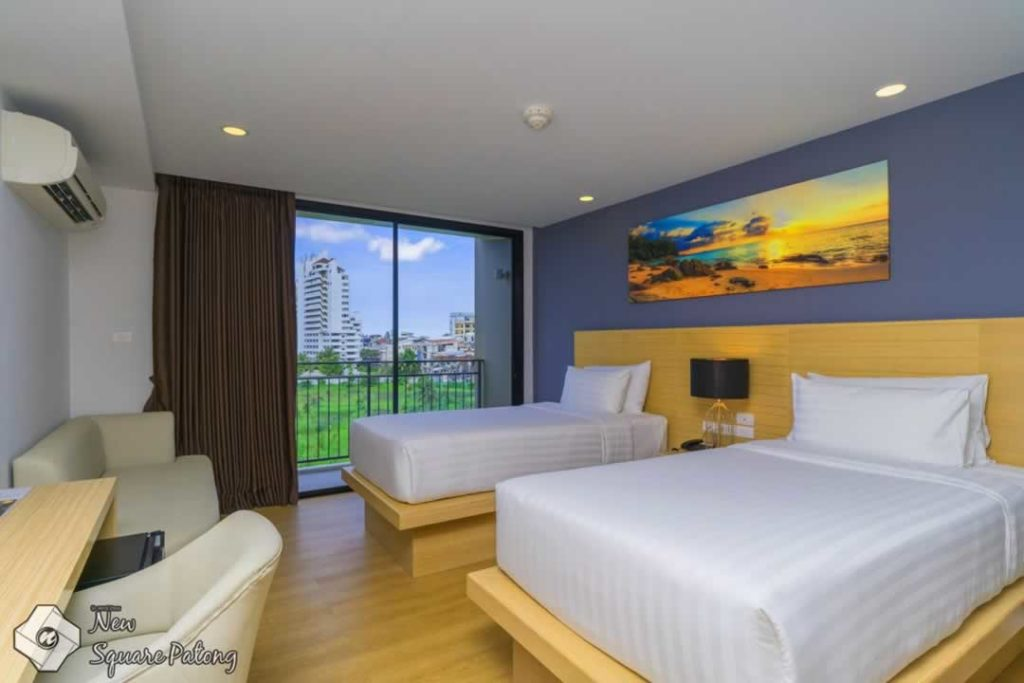Twin Deluxe Room - New Square Patong Hotel