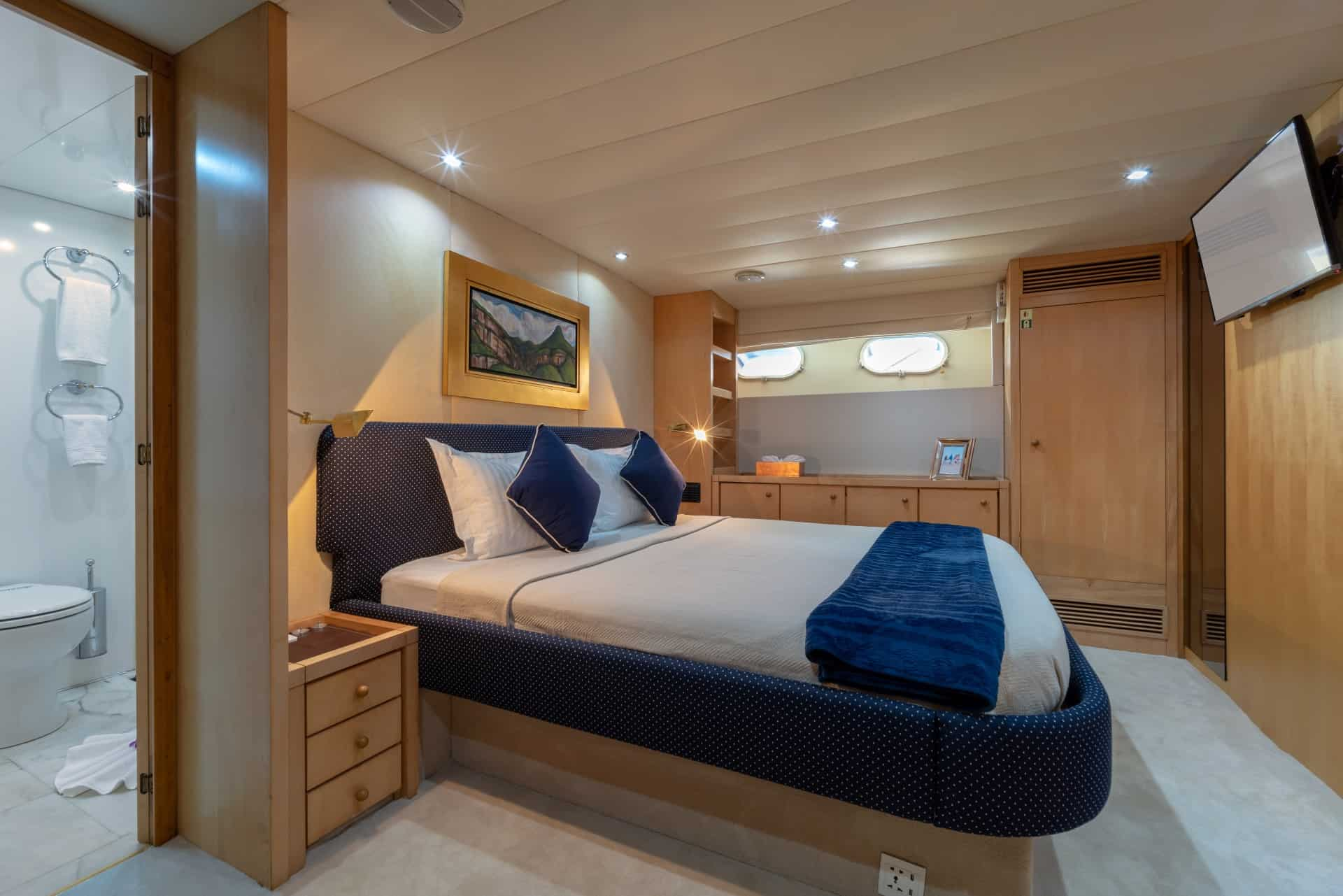 Ajao Master Double Cabin